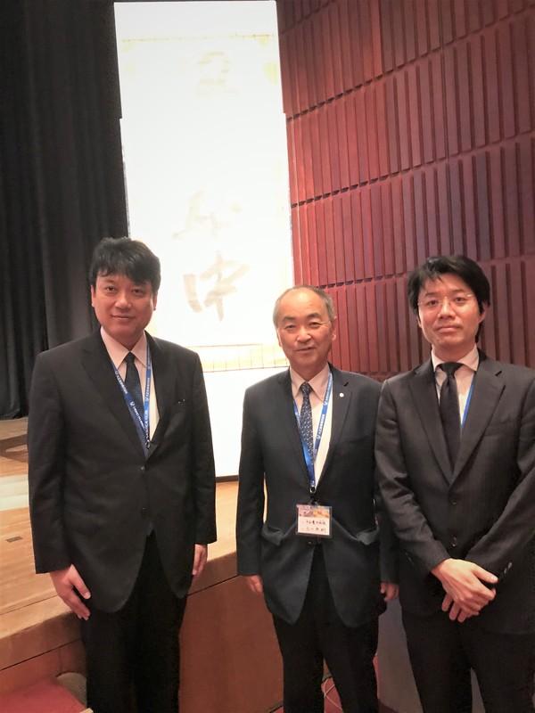 5写真 (BMM論文賞を受賞された整形外科の蛯名先生(右)とともに).jpgのサムネイル画像のサムネイル画像